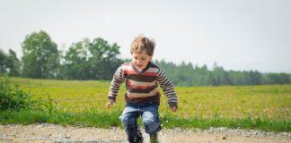 Spodnie z dziurami dla dzieci